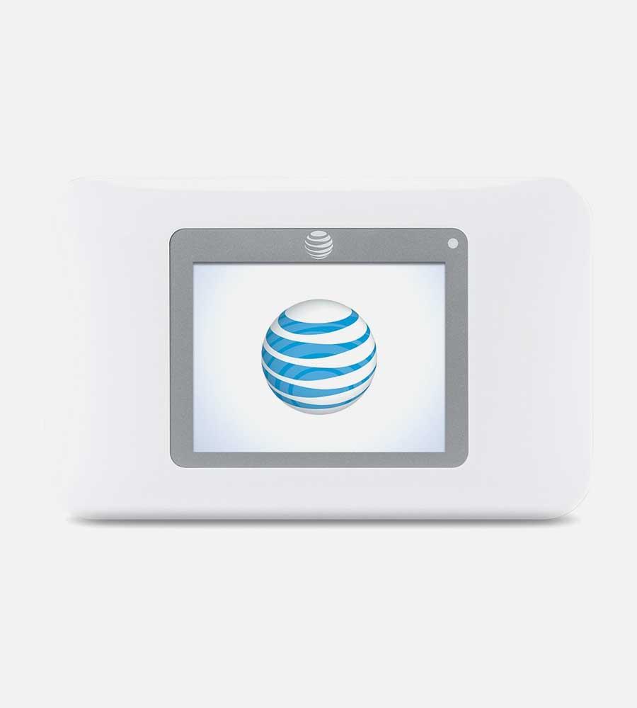 White NetGear Hotspot 770S Front Image