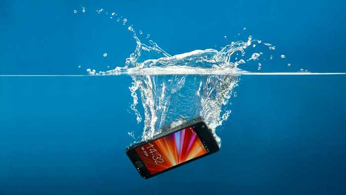 Phone Fell into Water with a Splash