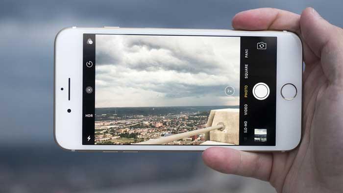 Iphone 7 taking image of scenery
