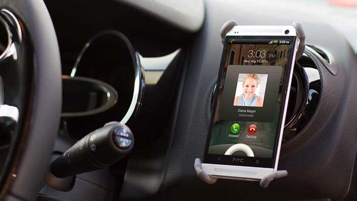 Smartphone in vent car holder