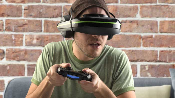 Man using VR Glasses for gaming