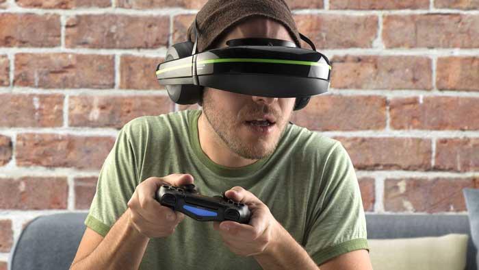 Man using VR Glasses for gaming