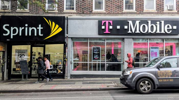 Sprint and T-Mobile stores side by side