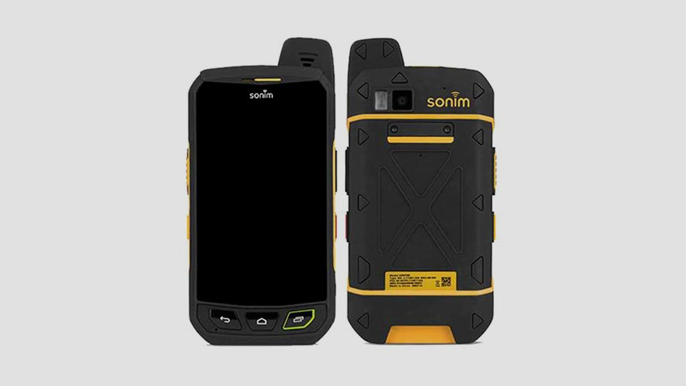 Sonim XP7 Front and Back View