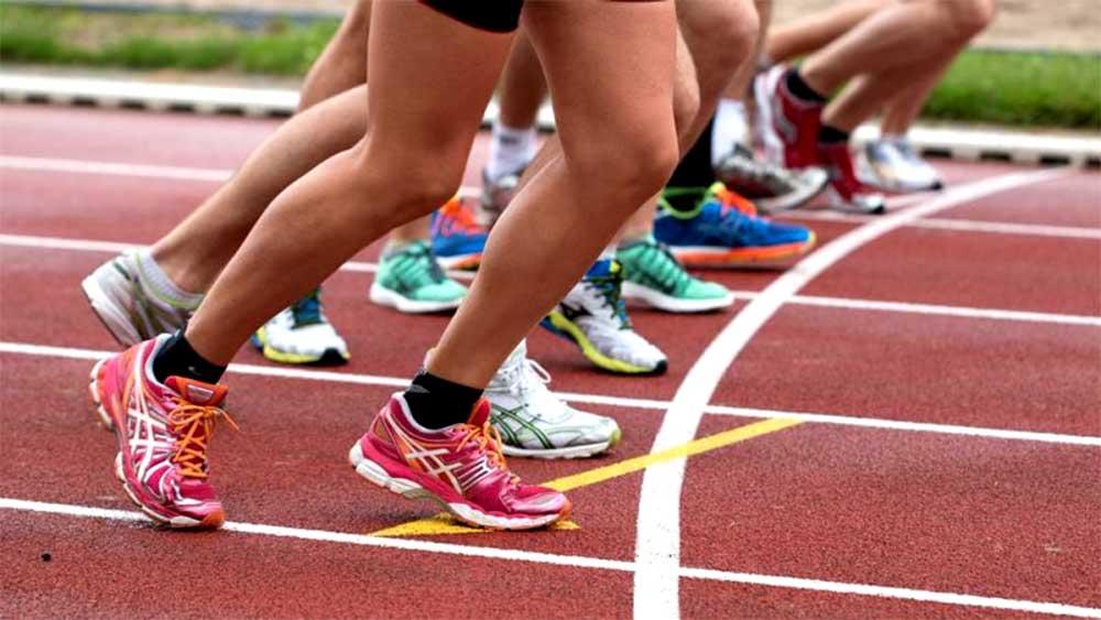 legs at starting line
