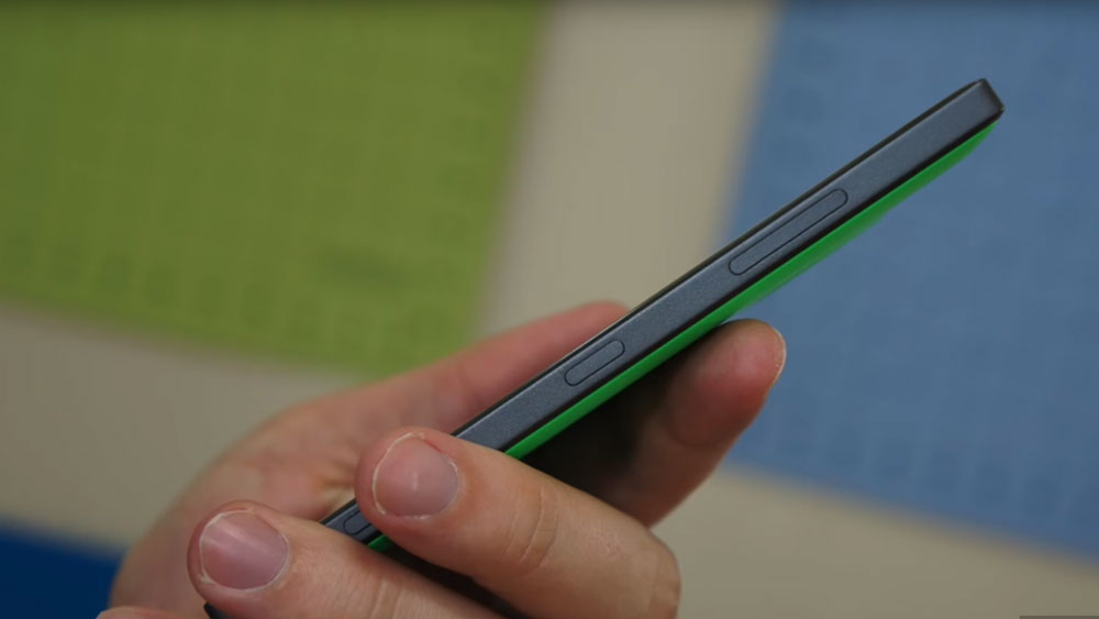 Side profile view of the Nokia Lumia 830