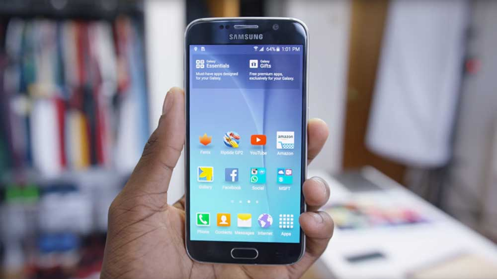 Samsung Galaxy S6 being shown in upright position