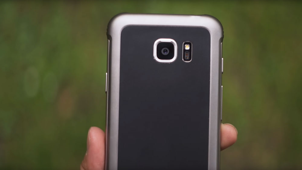 Samsung S7 Active being held showing the camera back