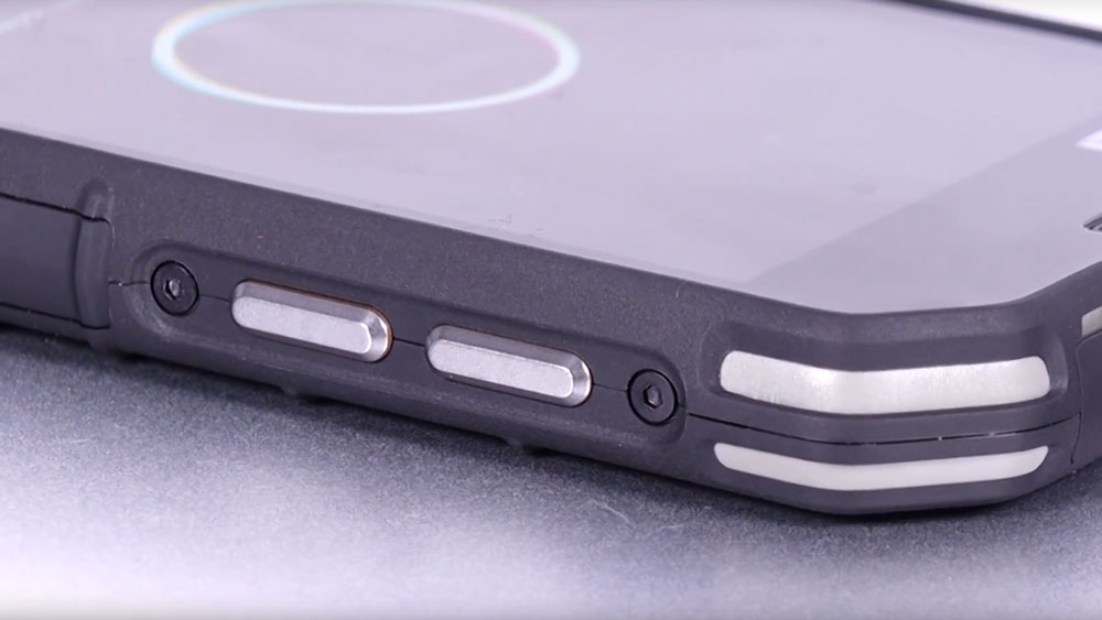 Zoomed in view of the Cat S31