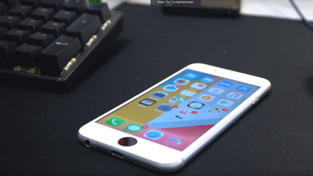 Angled view of the iPhone 6 on a desk